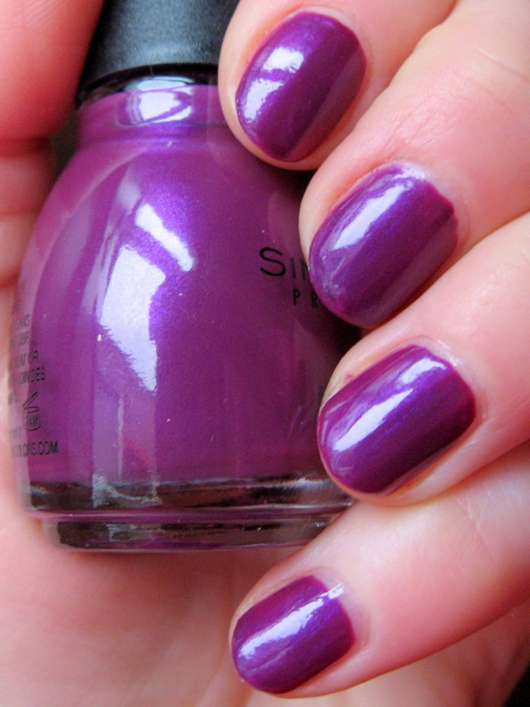 Sinful Colors 'Fig' nail polish-swatch