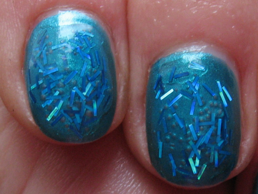 Rimmel 819 'Green with envy' with Claire's 'Teal glitter stripes' nail polishes