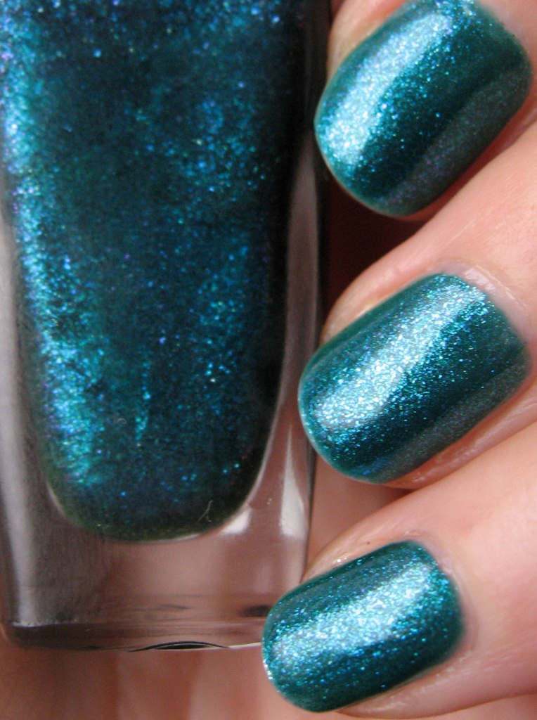 Sally Hansen Triple Shine 'Sparkling Water' 360 nail polish swatch