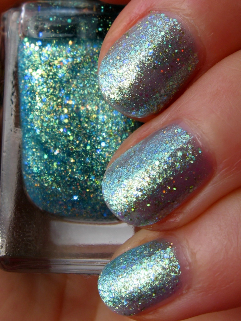 Barry M 'GTNP 4 Catwalk Queen 445' nail polish swatch